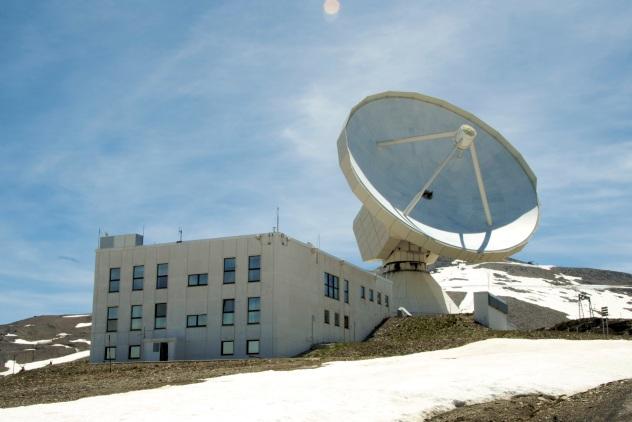 IRAM 30m Radio telescope, on Pico Veleta in the Spanish Sierra Nevada