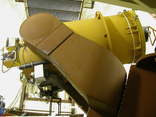 U Hawaii 2.2 meter telescope interior