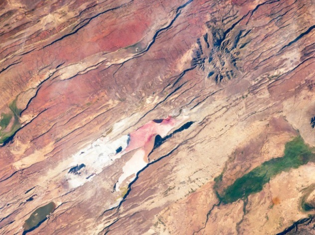 Rift zone faults cut across the East African rift