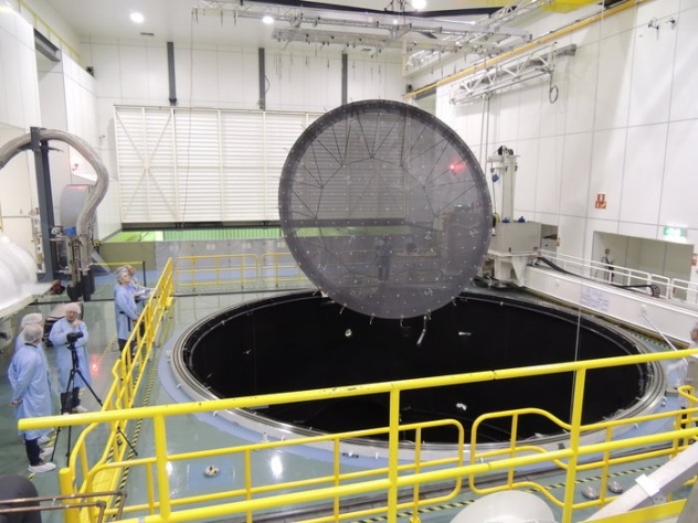 ESA  LABUM reflector lowered into Large Space Simulator