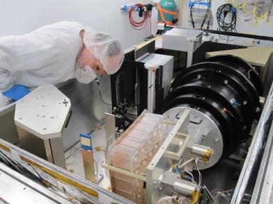 SDSS APOGEE spectrograph