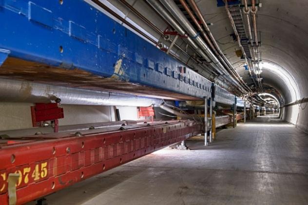 FNAL Tevatron tunnel