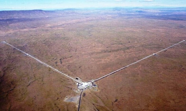 Caltech/MIT   Advanced Ligo Hanford, WA, USA installation