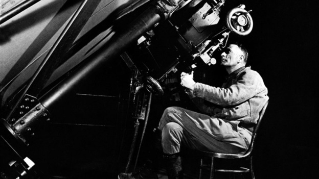 edwin-hubble-looking-through-a-100-inch-